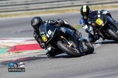 Für Straße zu schnell: Motorradfahrer wechselt auf Rennstrecke